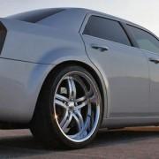 Chrysler 300C Stossdaempfer und Sportfedern