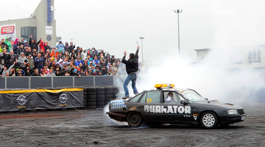 Opel Treffen Oschersleben 2014 Burnout Contest