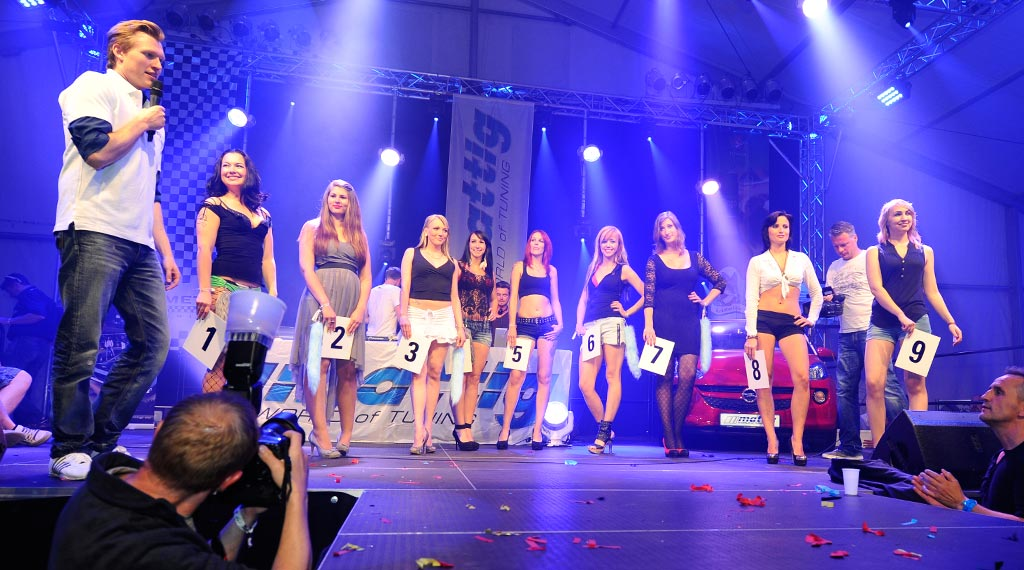 Opel-Treffen in Oschersleben 2014: Wahl zur Miss Opel Tuning